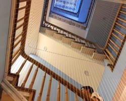 Lưới bảo vệ an toàn cầu thang