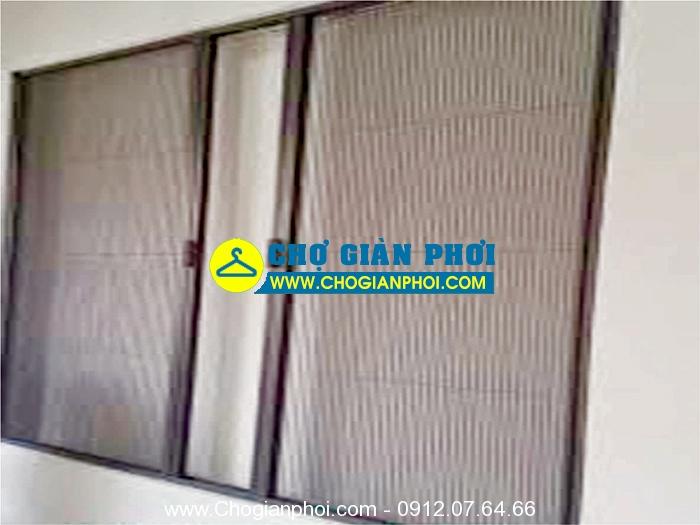 cua xep nhom den - Của lưới chống muỗi dạng xếp