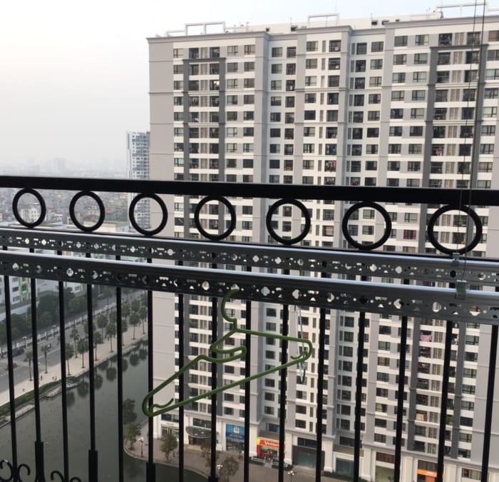 Bàn giao bộ giàn phơi giá rẻ HP333 cho nhà Anh Quang, phòng 2012, tòa Tháp T10, Chung Cư ParkHil Time City