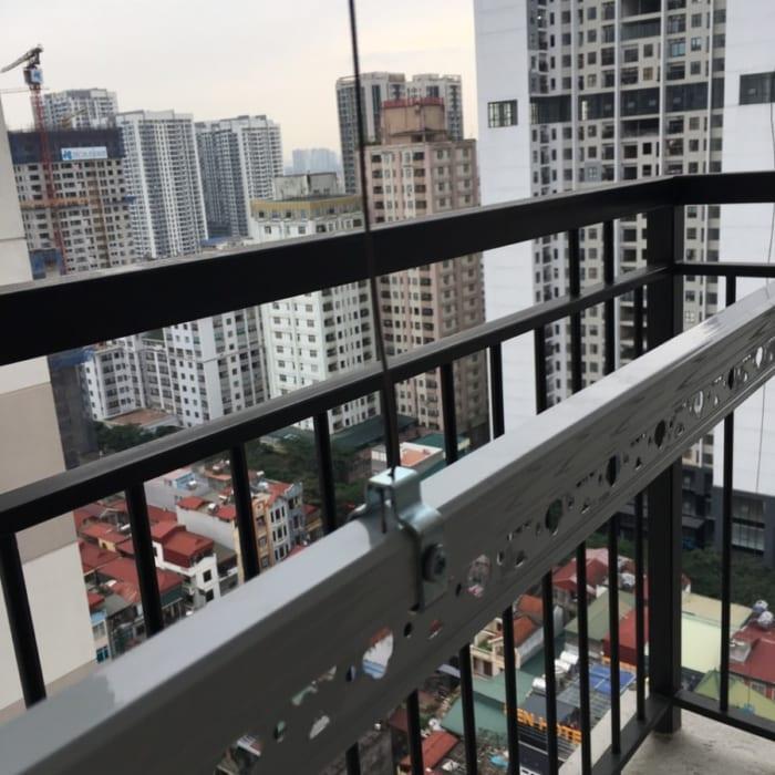 Lắp đặt giàn phơi tại Chung Cư Time Tower tòa Tháp T2 nhà Bác Huỳnh ,bộ giàn phơi HP999B